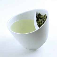 Magisso Tipping Teacup via Finnstyle